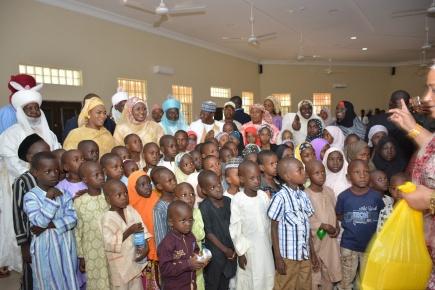 Aisha-Buhari with orphans
